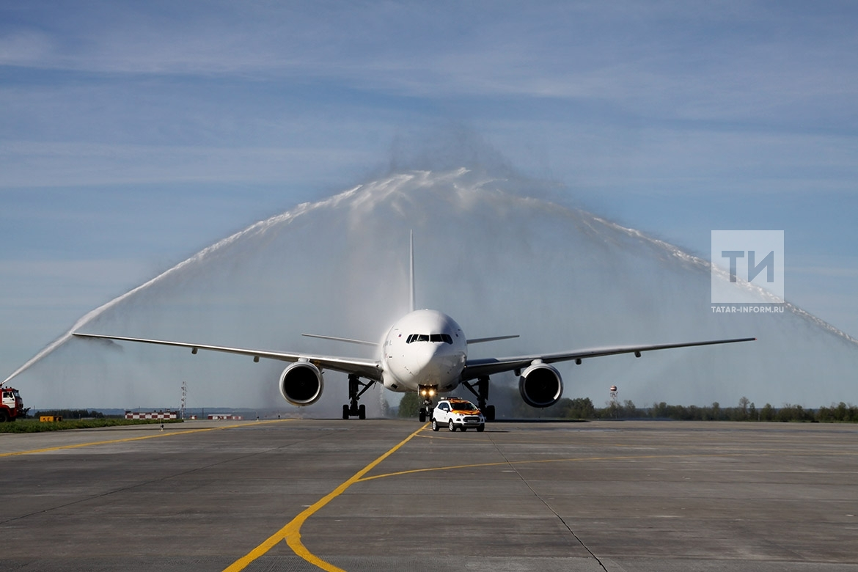 Встреча первого прямого авиарейса Пекин-Казань-Пекин