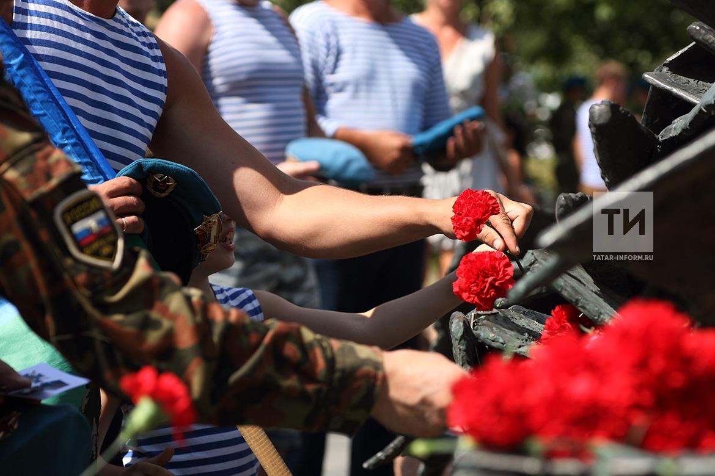 День ВДВ. Возложение цветов к памятнику павшим в Афганистане.