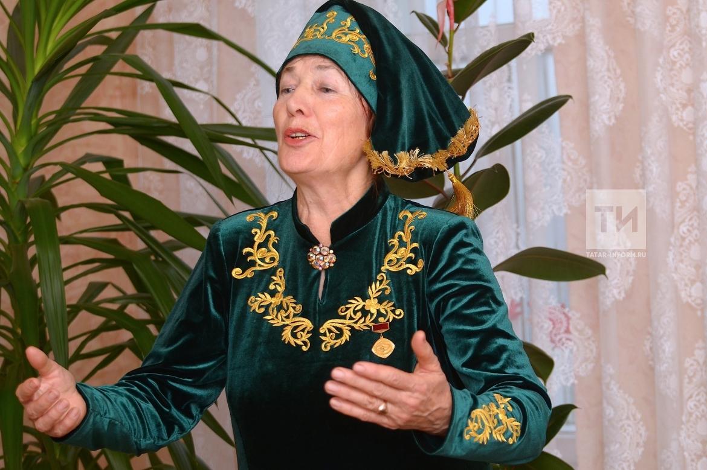 Солистка буинского фольклорного ансамбля «Гульжамал» Альфия Хайруллина