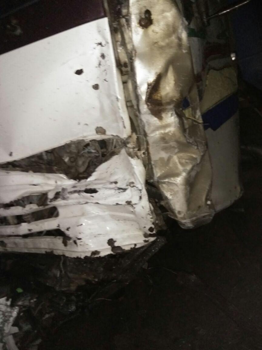 В Альметьевском районе при столкновении грузовика и легковушки погибли два человека