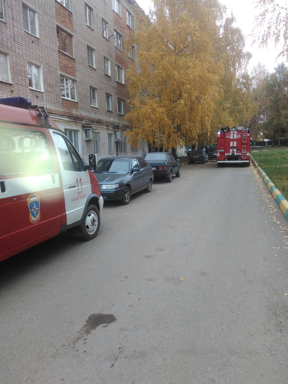 Житель Альметьевска отравился угарным газом на пожаре в собственной квартире