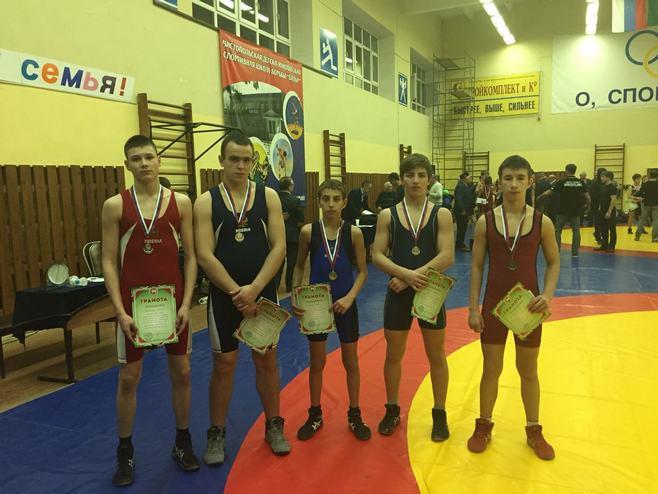 Альметьевцы завоевали медали открытого турнира по греко-римской борьбе